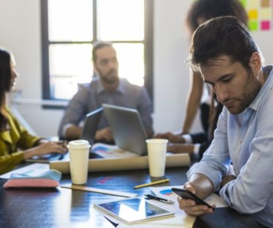 Why Entrepreneurs Are Constantly Distracted (and 6 Ways to Fight Back)
